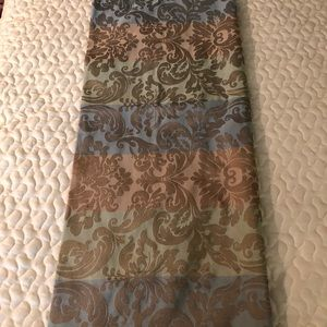 Other - Multi colored damask square table cloth